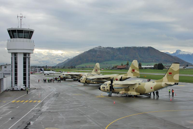 طائرات النقل العاملة بالقوات المسلحة المغربية 10553755926_f88a7f1329_o