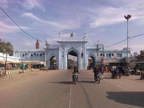 door india heritage monument architecture gate arch arcade entrance historic gateway entry lucknow uttarpradesh awadh