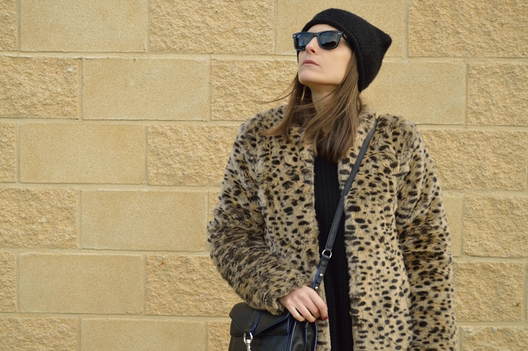 lara-vazquez-madlula-blog-leopard-coat-easy-look-winter