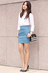 pattern, clothing, abdomen, sleeve, outerwear, limb, leg, skirt, photo shoot, human body, thigh, miniskirt,
