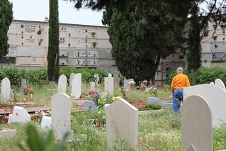 Il cimitero di Turi e la sua maldestra manutenzione