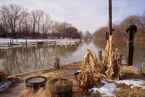 river ohioriver louisville kentucky louisvillemunicipalboatharbor louisvilleboatharbor dock