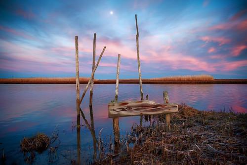moon sunset bay nj fujifilm xt2 blue red water parkertown docks pilings newjersey marsh