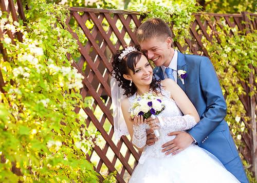 Свадебная фотография счастливых молодоженов в клубе Bartolomeo, г.Днепропетровск