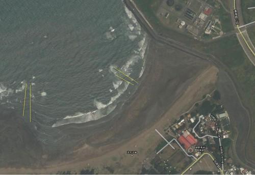 GoogleMap衛星圖 沙崙海水浴場似乎出現離岸流