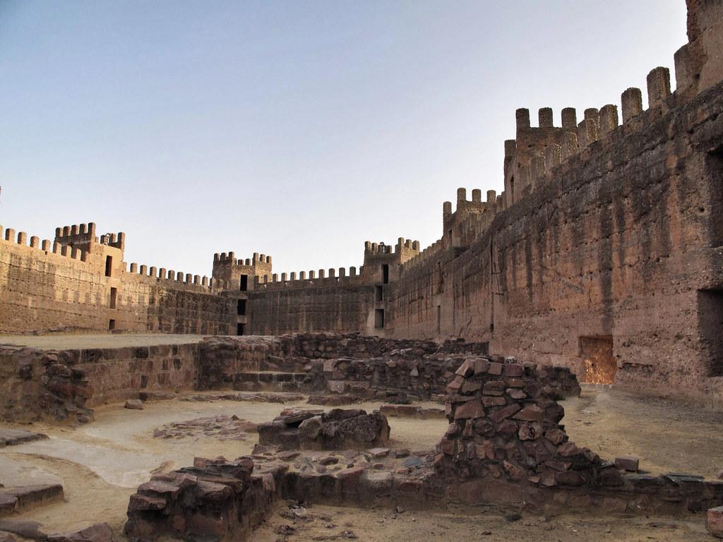 Atardecer en el castillo burgalimar ba os de la encina ja n reharq libe fern ndez - Castillo de banos de la encina ...