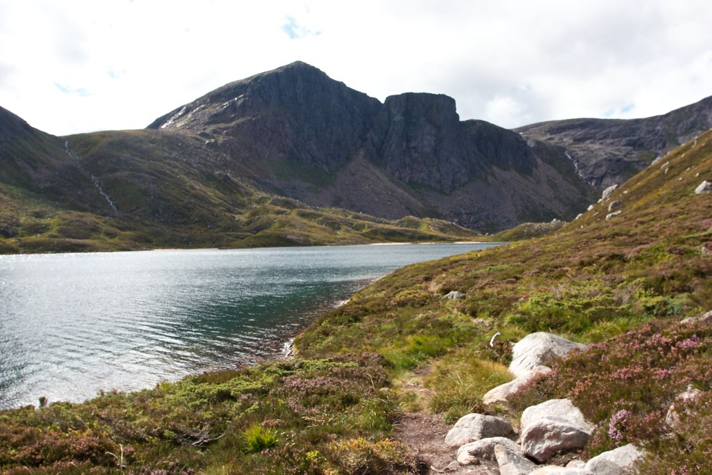 Loch Avon and Shelter Stone crag