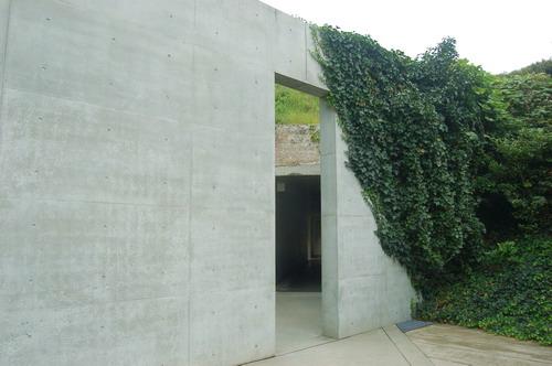 地中美術館