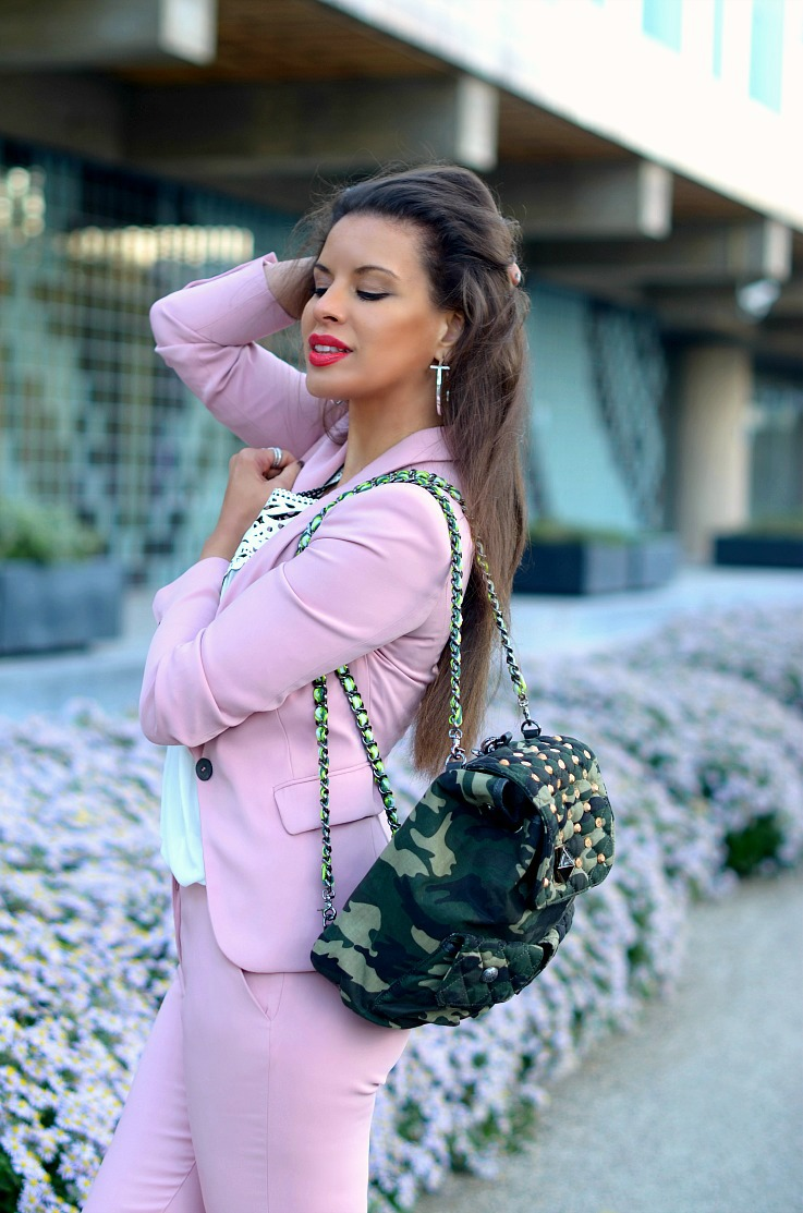 DSC_6410 Pink Zara Suit, Camo backpack2 resize re