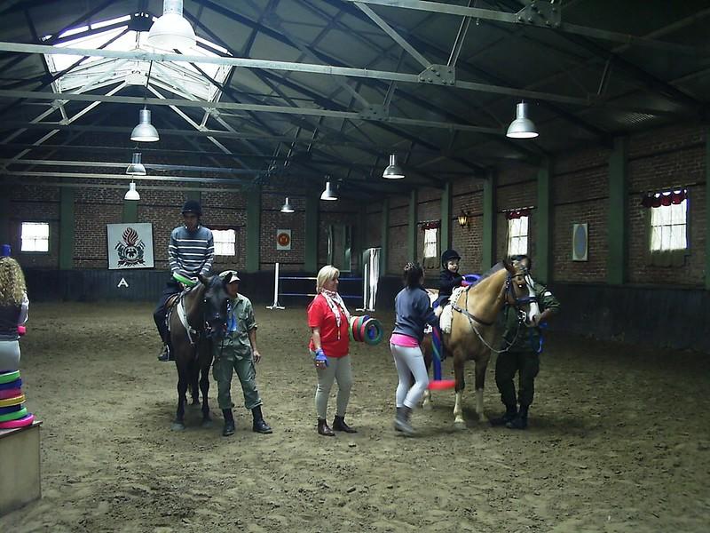 9 Participantes realizando actividades