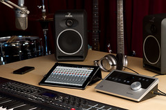 room, computer speaker, multimedia, stereophonic sound, electronics, recording, electronic instrument,