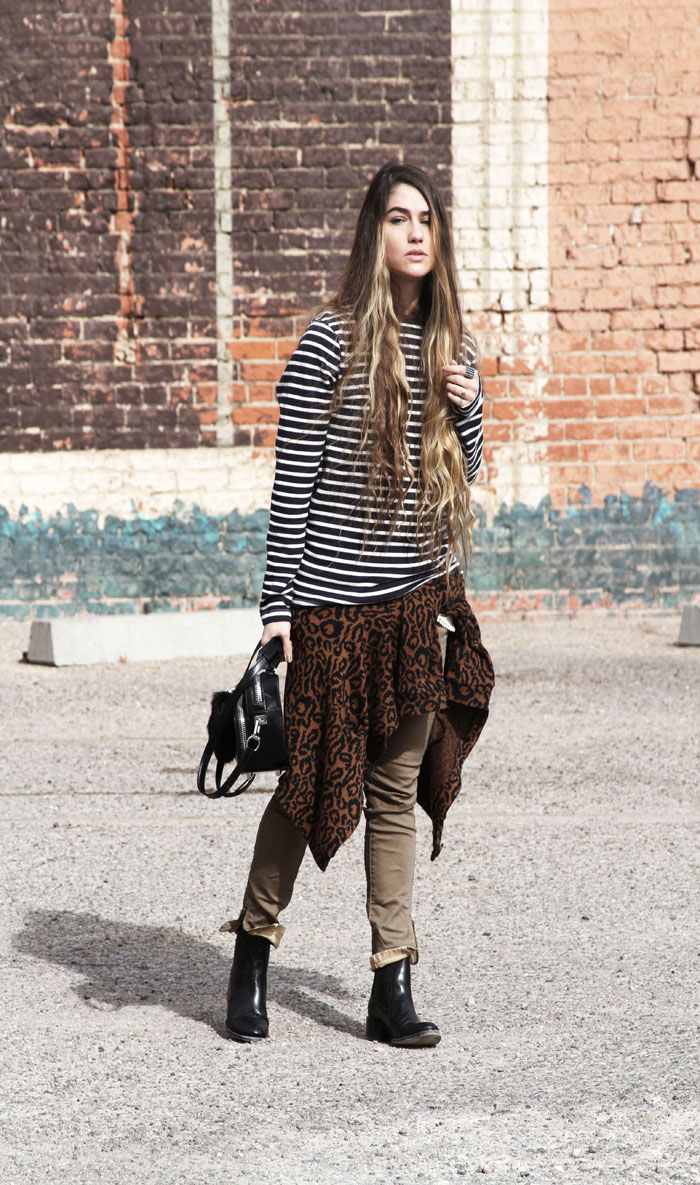 leopard-sweater-tied-waist-street-style-free-people