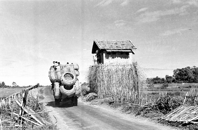 1950  Truck loaded with baskets passing Tây Ninh watchtower