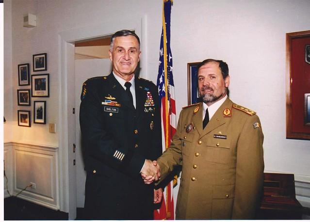 10. Cu seful SMG al Armatei SUA, Shelton, cordialitate de ramas bun