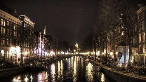Amsterdam canal at Night by sawelli