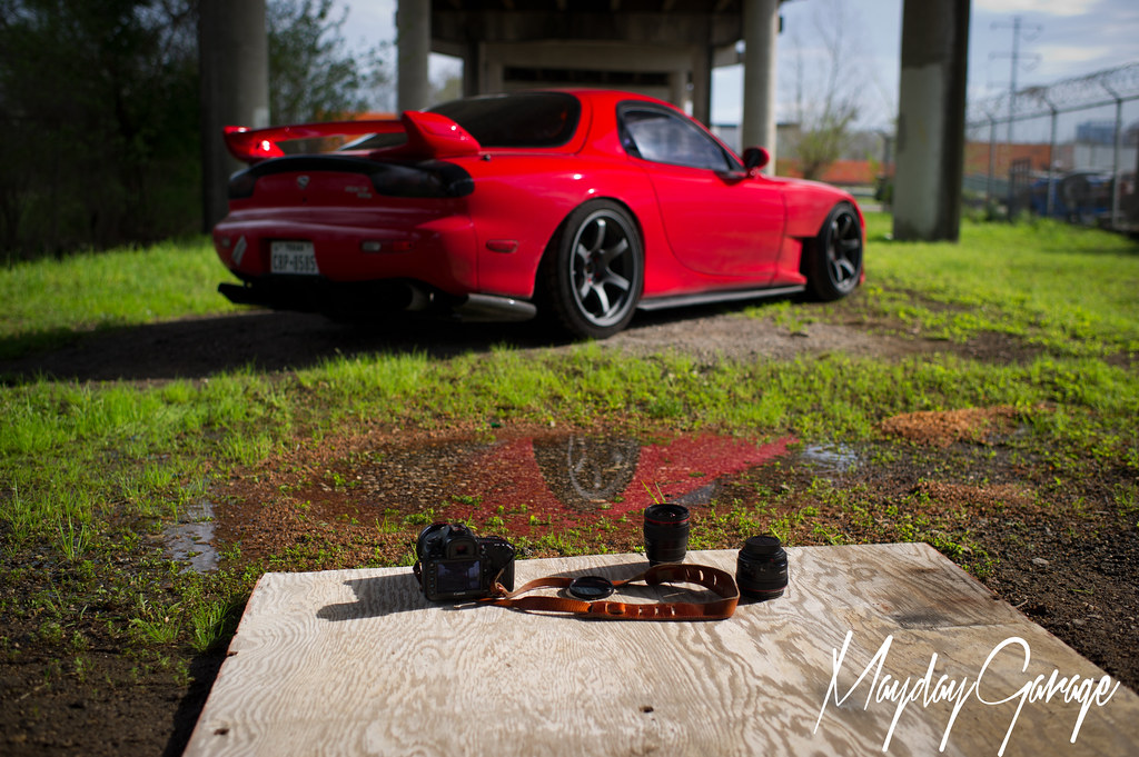 Linhbergh's essentials in front of his subject, Khiem's RX7.