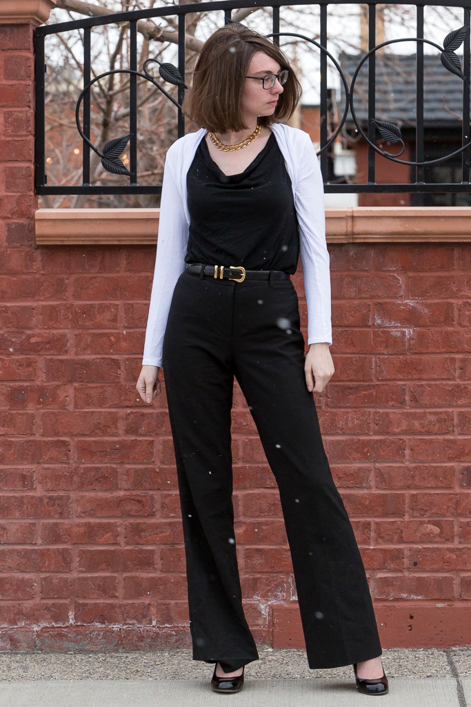 high waist pants, black trousers, gold necklace, snakeskin belt, bolero, wyoming, never fully dressed, withoutastyle,