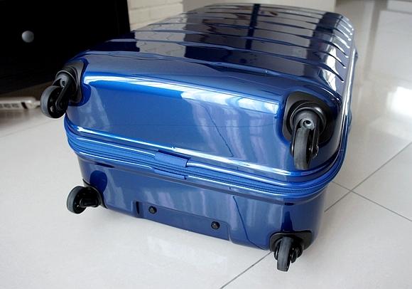新秀麗行李箱07