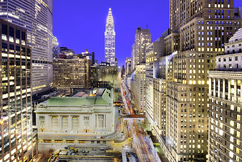 grandcentralterminal grand central terminal one vanderbilt onevanderbilt skyscraper supertall residential development megatall 42nd street nyc ny new york newyorkcity newyork manhattan midtown midtownmanhattan chrysler metlife night illuminated urban cityscape lighttrails traffictrails longexposure famousplace landmark traveldestinations