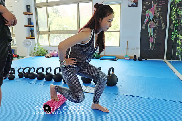 台南康體運動空間調整姿勢特寫