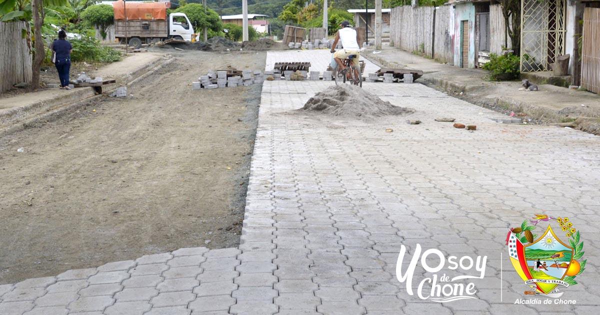 Trabajos municipales de calles adoquinadas a buen ritmo en Chone