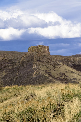 colorado nature rockymountains rockies clouds scenic mesa goldencolorado geology rockformation castlerock