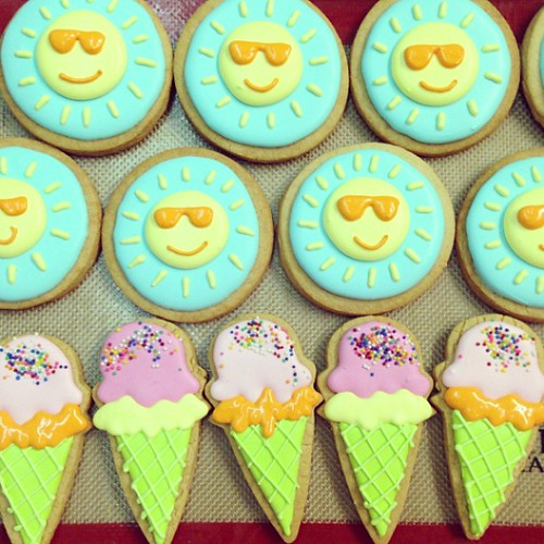 Sun and ice cream cookies #polkadotscupcakefactory