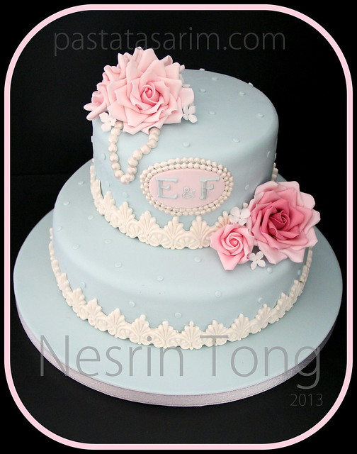 blue weding cake black