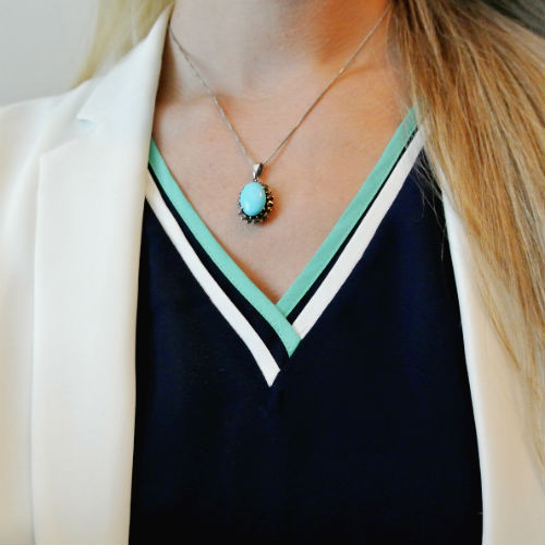 Outfit: navy + green + white
