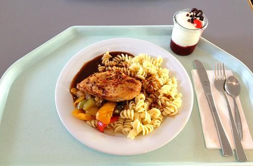 Harissa-Hähnchen mit Paprikagemüse / Harissa chicken with bell pepper