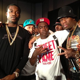 Video 50 Cent about to beat the ish out of Meek Mill friend at a show in atlanta