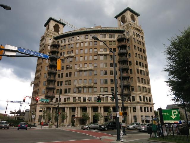 IMG_3854-2013-08-22-Ponce-Condominium-Ponce-de-Leon-Apartments-Lion-Lions