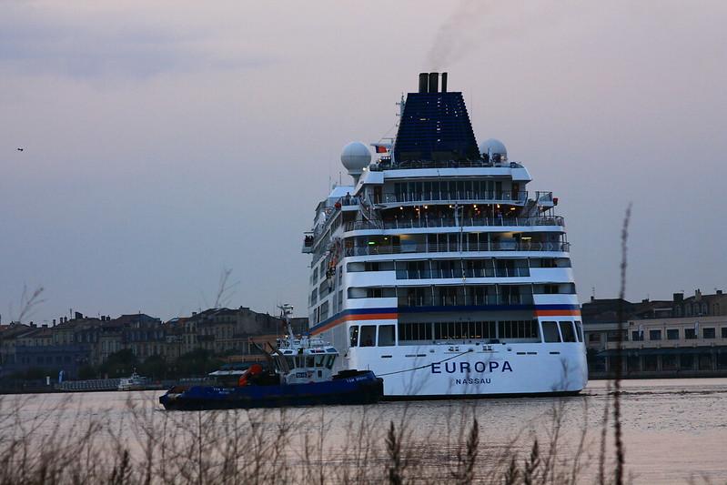 Arrivée du paquebot MS EUROPA/ TSM BREHAT à Bordeaux - 19 octobre 2013