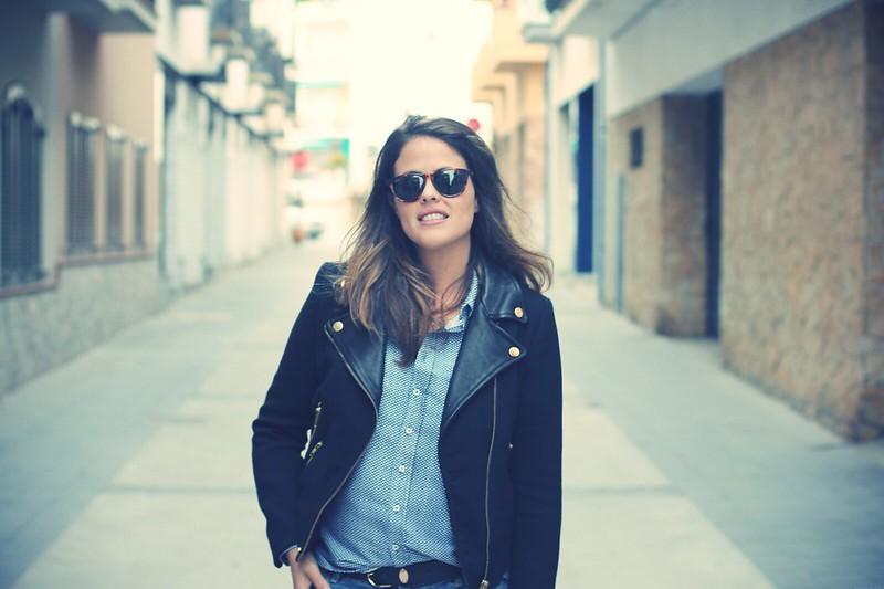Look: Boyfriend Jeans + zapatos con plataforma - Monicositas
