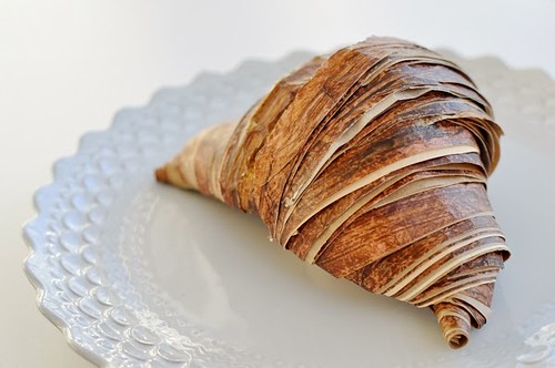 rolled-paper-croissant