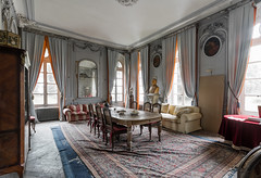 Chateau aux Bustes 01