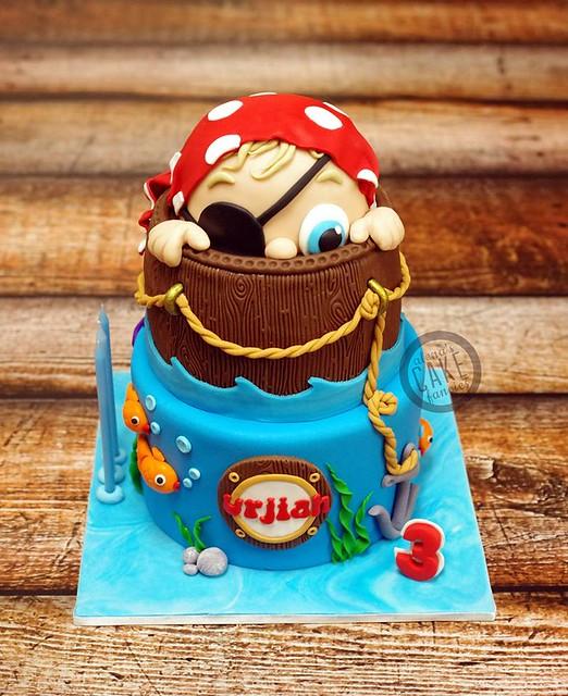 Cake by Alena's Cake Fancies
