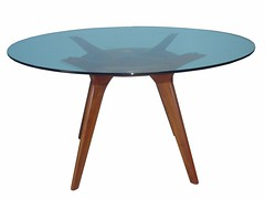 outdoor furniture(0.0), outdoor table(1.0), end table(1.0), furniture(1.0), coffee table(1.0), table(1.0),