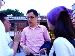 劉維公與關心華光案民眾對話