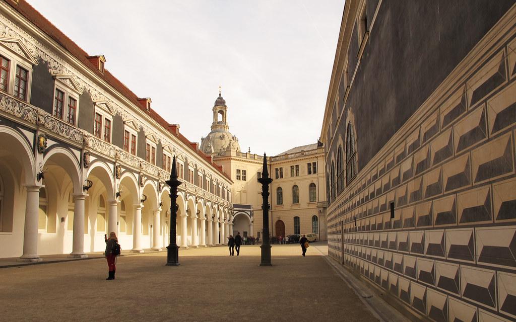 Residenzschloss e Staatliche Kunstsammlungen