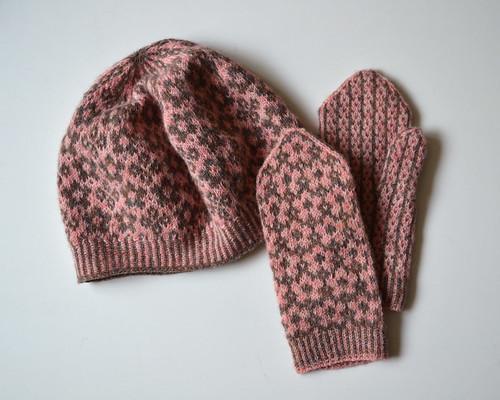 Manuka Hat & Mittens