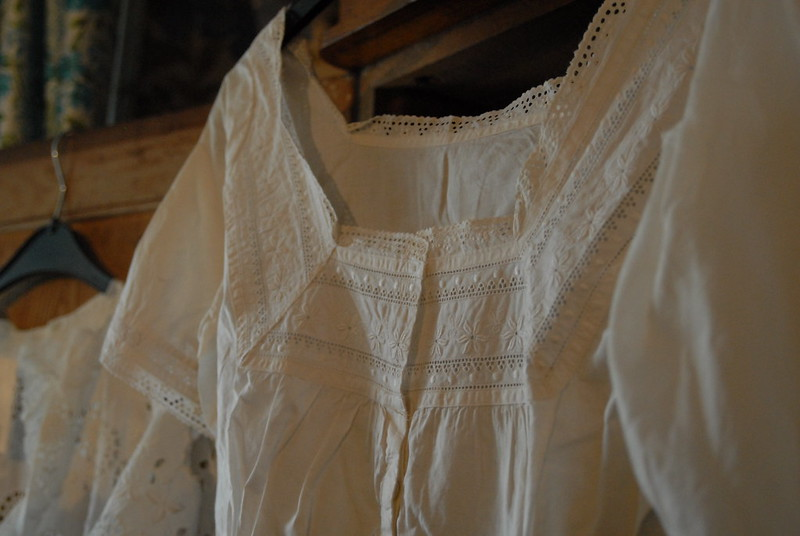 vintage-white-cotton-top