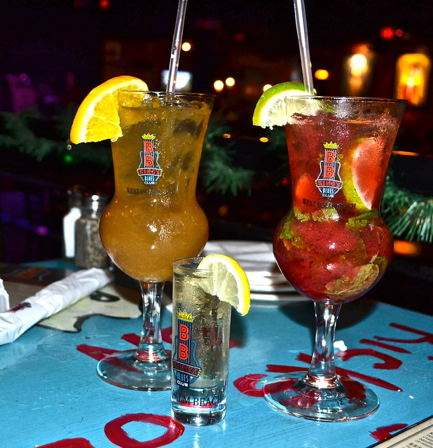 BB Kings Live Music and Dinner, West Palm Beach - souvenir cups - strawberry mojito and chocolate cake