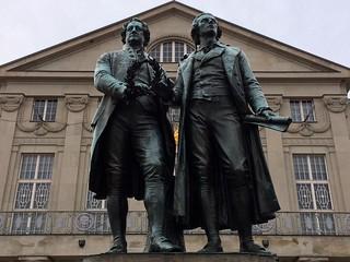 Goethe-Schiller-Denkmal 的形象. weimar thüringen goethe schiller denkmal goetheschillerdenkmal uploaded:by=flickrmobile flickriosapp:filter=nofilter