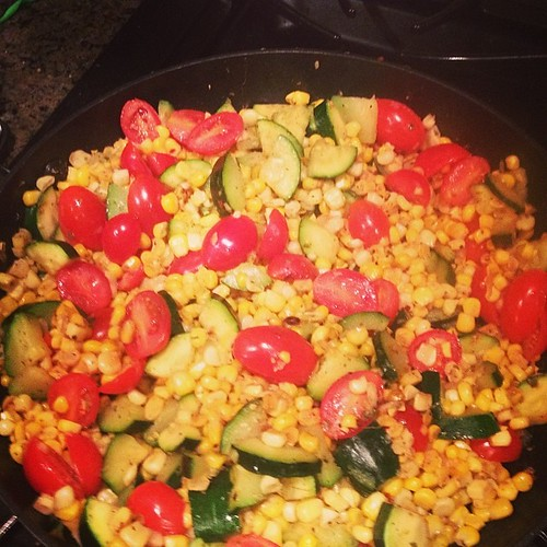 So colorful! #dinner #veggies #corn #healthyeats #fresh
