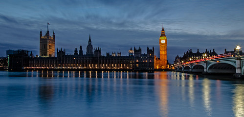 houses london thames night clouds river housesofparliament dry parliament daytriptolondon sunsettingdown