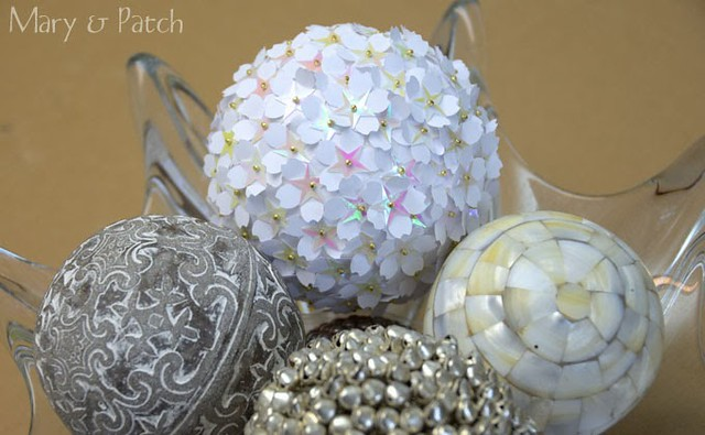 ll022814-maryandpatch-xmasball