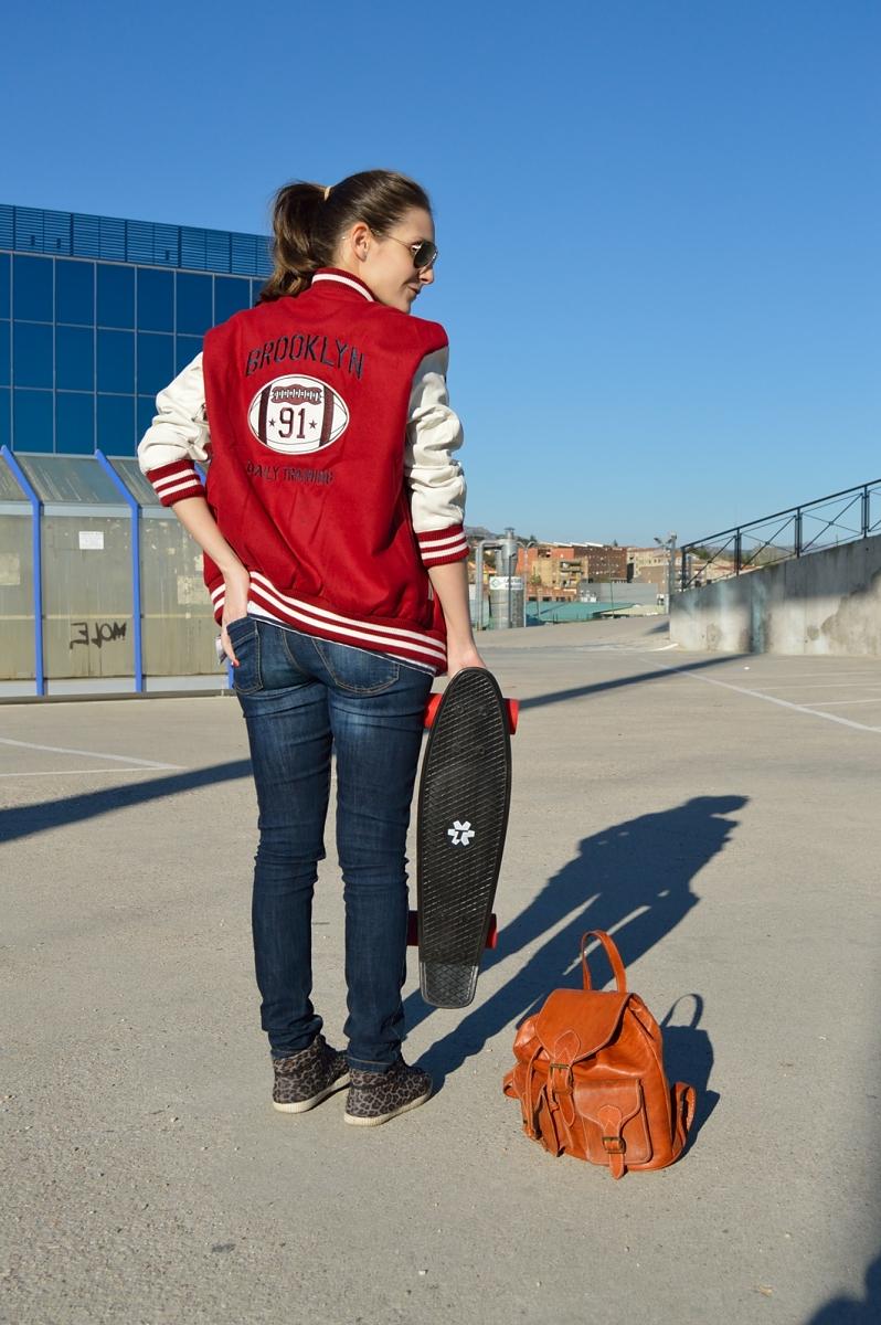 lara-vazquez-madlula-blog-back-skater-mood-bomber-jeans