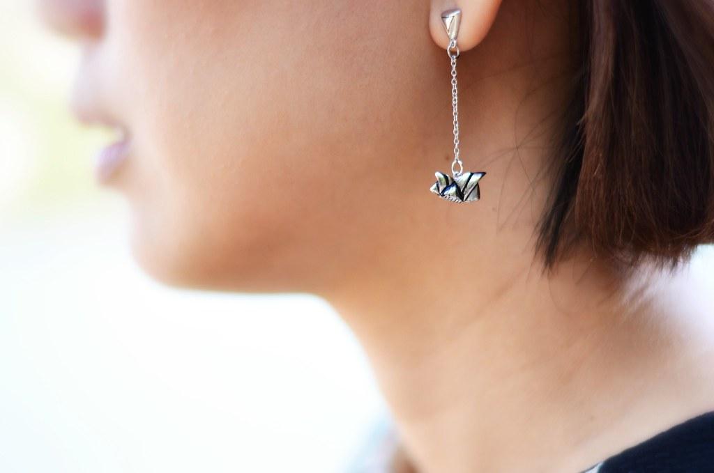 Opera house inspired chain earring