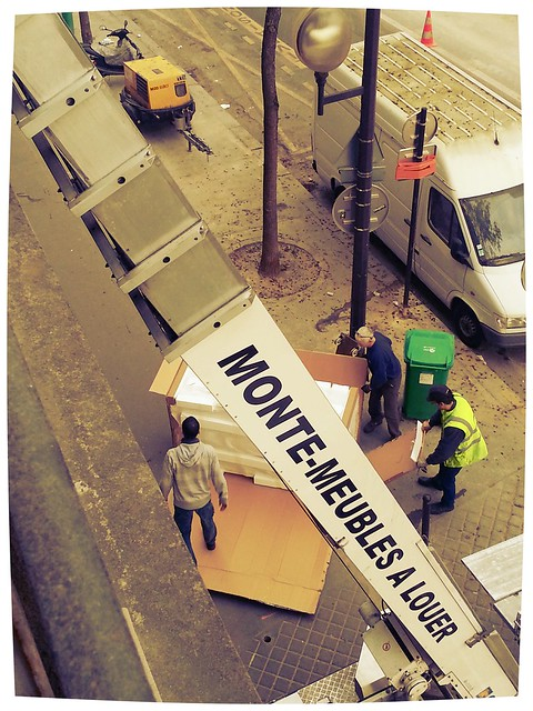 Armoire Delivery in Paris